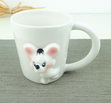 Ceramic embossed mouse  mugs ,cartoon twelve animal  mug